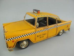 Auto taxi  antiek blik geel