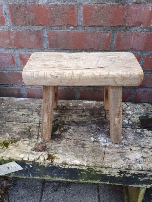 Landelijke houten krukje bankje