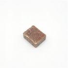 Marokkaanse geurblokjes Amber. Deze heerlijke Marokkaanse geurblokjes Amber kun je op verschillende manieren gebruiken. Je kunt het gebruiken in huis, zoals de linnenkast. Veel mensen laten het smelten op de verwarming of in een geurbrander. Je kunt er met een mesje wat van afschrapen, deze poeder doe je in de stofzuigerzak en je geniet tijdens het stofzuiger van de heerlijke amber geur. Ook wordt het wel gebruikt als autogeur,.. let op dat het blokje kan namelijk smelten bij zeer warm weer.